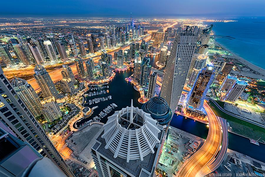 Elia-Locardi-Travel-Photography-Towering-Dreams-Dubai-UAE-900-WM.jpg